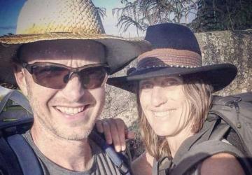 Este casal mudou-se da África do Sul para o Seixal — e faz renovações sustentáveis