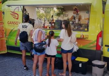 Há uma nova food truck em Fernão Ferro que tem comida venezuelana sem glúten