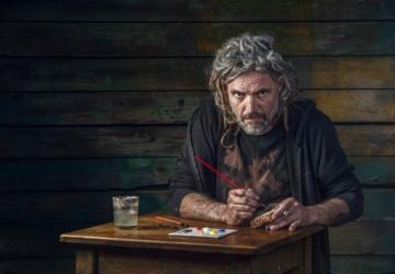 O artista que pinta ostras e azulejos como forma de homenagem ao Seixal