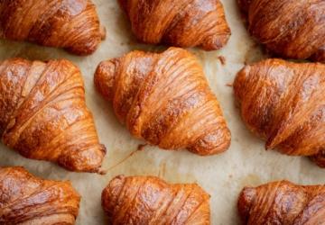 Os leitores da NiS decidiram: este é o melhor spot para comer croissants no Seixal